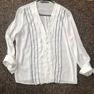 Zara delicate blouse with front striped